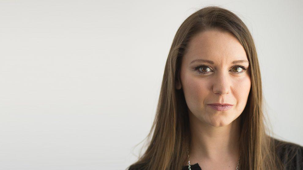 BLOG Dr Ana Stevanović – Krađa vremena i glasanje na zvonce: Zloupotreba skupštinskih procedura